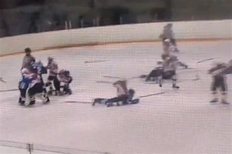 hockey bench clearing brawls yet another bench clearing brawl from a russian youth hockey game video total pro