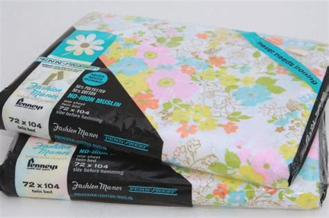 Hemming Curtains Retro 70s 80s Flowered Print Bed Sheets Sealed Vintage