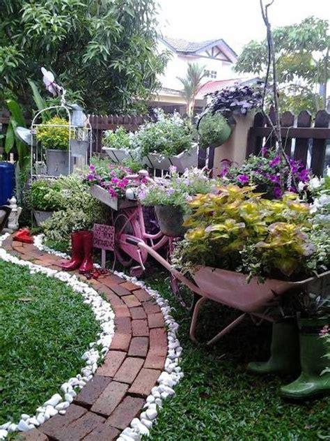 backyard market gardening anis s sweet garden vignettes flea market gardening