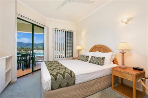 cairns 2 bedroom apartments cairns apartments tropic towers apartments cairns