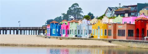 colorful beach houses 10 x 3 5 vibrant and colorful capitola beach houses on