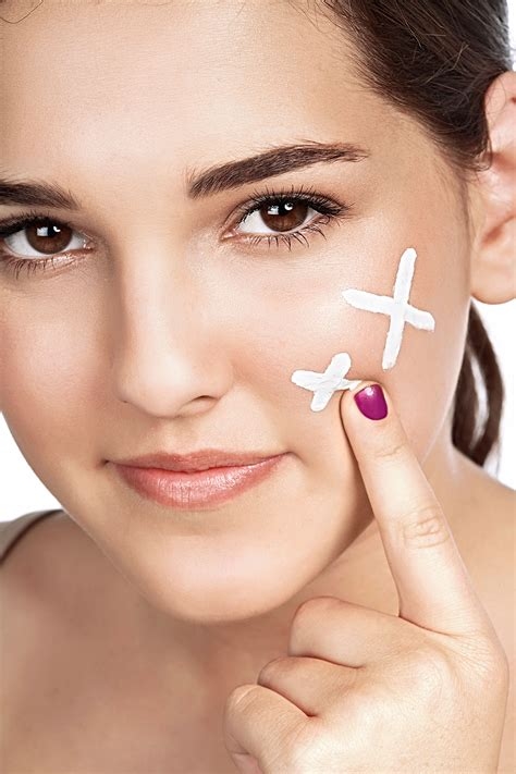13 Surprising Myths About Acne by 10 Most Common Acne Myths Skincare How To Treat Zits
