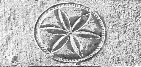 tatuaggio fiore della vita simbolo della vita simbolo della vita cassano arte