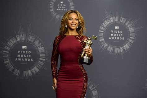 Beyonce Hits Japan Looking Uncharacteristic At Best by Bow Beyonce Owns The Mtv Awards The
