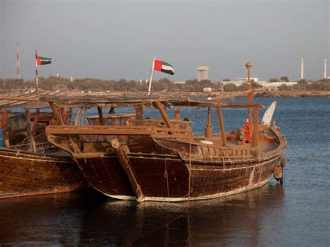 old boat uae a taste of old dubai abra water taxis insight guides