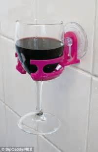 portable cup holder allows to enjoy wine or in