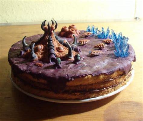 id lick  impressive zerg hive starcraft cake geekologie