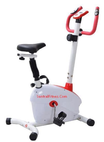 Alat Olahraga Sepeda Statis Spinning Bike Hanatha Gt2000 alat olahraga sepeda statis magnetic warna merah