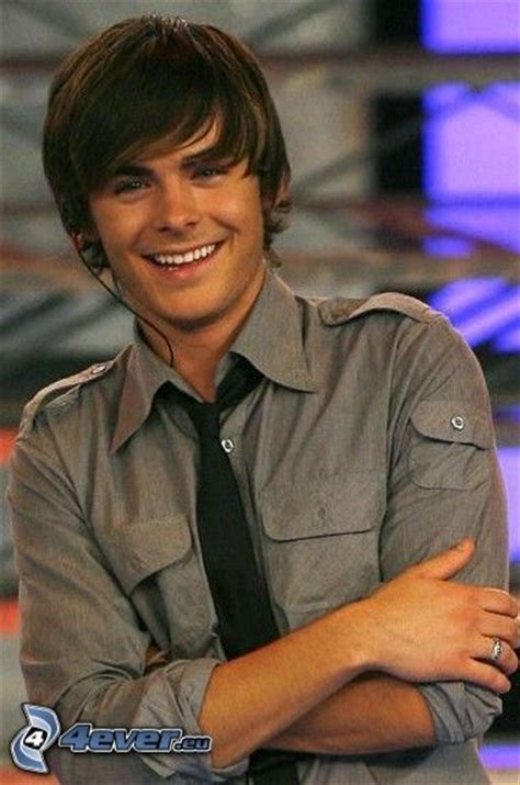 zac efron es actor zac efron