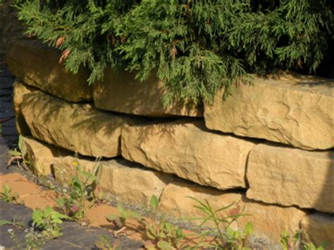 Steine Für Gartenmauer by Naturstein Mauer Bauunternehmen