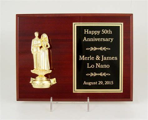 Find Custom Trophies and Awards, Medals and Plaques from