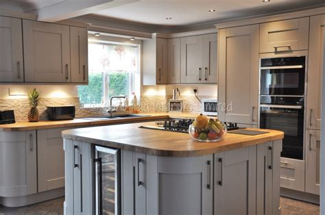 tiffany leigh interior design defending white appliances white kitchens with slate appliances cream slab kitchen