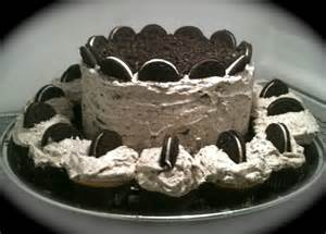 Cookies and cream cake with cupcakes quot title quot oreo cake quot gt