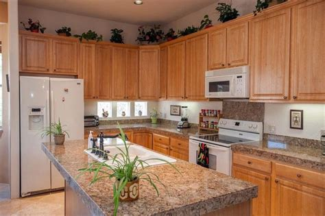kitchen colors with oak cabinets and black countertops kitchen oak kitchen cabinets with granite countertops