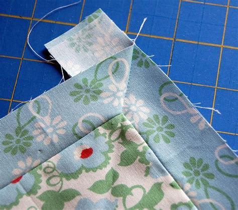 How To Quilt Corners by 1000 Images About Mitered Borders Quilt On Mitered Corners Quilt And