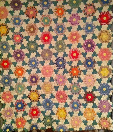 vintage flower pattern quilt 89 best epp antique quilts images on pinterest antique