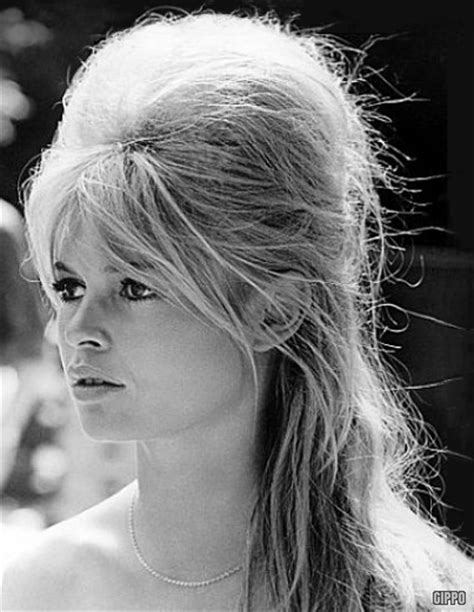hairstyles of 60 s and 70 s hairstyle years 60 s 70 s girls women vintage fashion