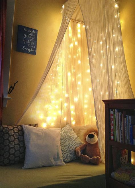 Betthimmel Mit Lichterkette by Diy Toddler Reading Nook White Lights Crib