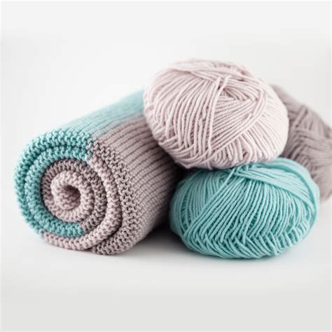 Best Yarn For A Baby Blanket by The Woven Simple Baby Blanket The Woven