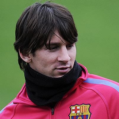 lionel messi biography in spanish famous celebrity lionel messi is described as the best to