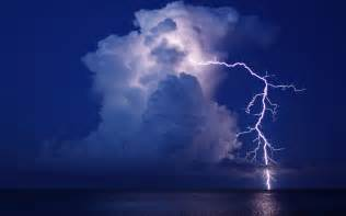Lightning And Cloud Lightning Cloud Water Reflection Sea F