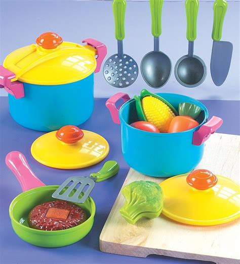 Mainan Cook symbolic play talking points speech and language news you can use