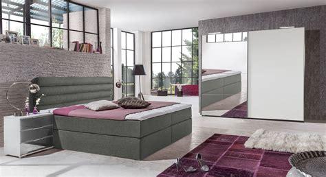 preiswerte betten komplett schlafzimmer komplett mit boxbett und schiebet 252 renschrank