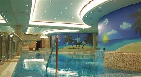 hotel con piscina interna hotel con centro benessere e piscina coperta a legnano