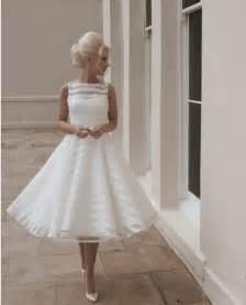 vintage dresses 60s 70s