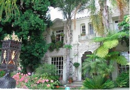Lindsay Buys Marilyn Apartment by The Many Places In Weho That Marilyn Called Home