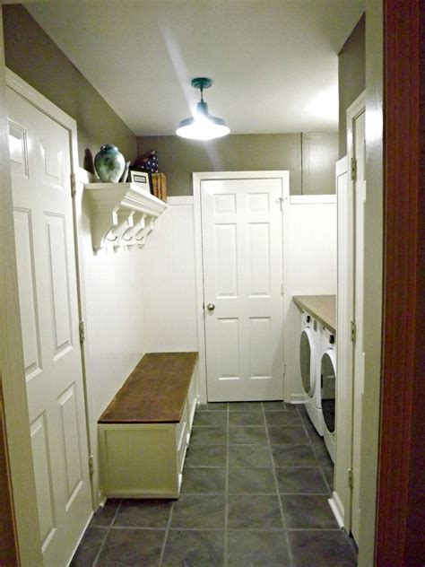 hometalk mudroom laundry room update