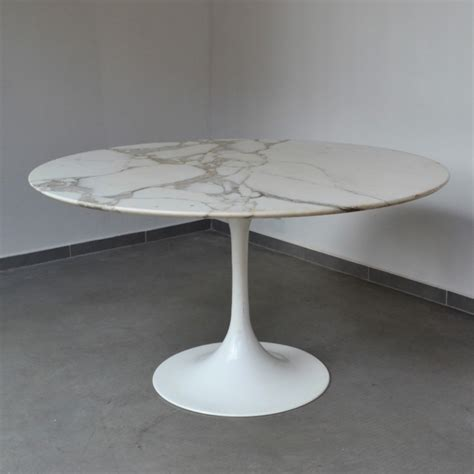 carrara marble tulip dining table 1960s 47638