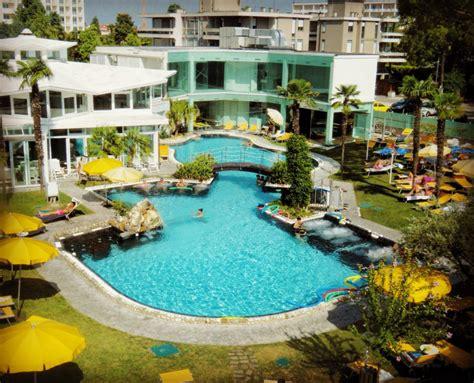 hotel con piscina termale interna ed esterna abano terme benessere e relax al panoramic hotel plaza
