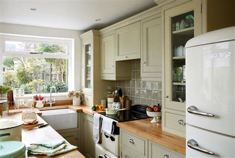 Period Kitchen Design Cottage Decorated With Vintage Finds Period Living
