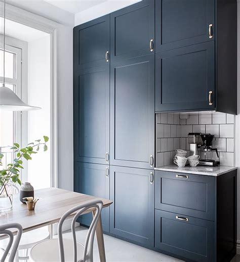 navy kitchen cabinets 17 best ideas about navy kitchen cabinets on