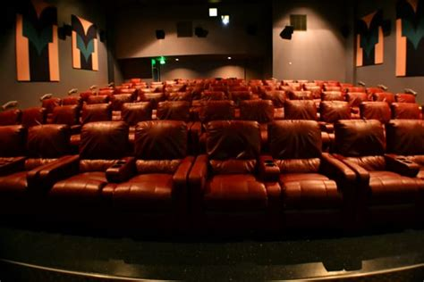 queens movie theater with reclining seats these are the new seats they installed i tried taking a