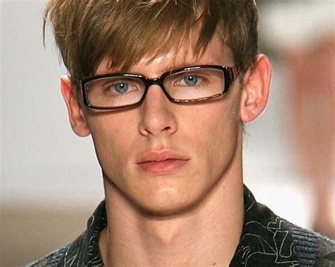 Best Hairstyle For With Glasses by Best Hairstyles For School Boys With Glasses 2014