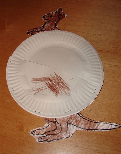 How To Make A Kangaroo Out Of Paper - craft paper plate kangaroo pouch and baby