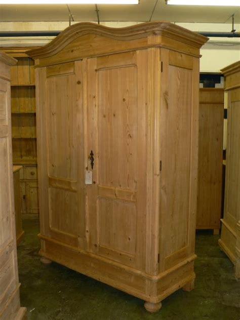 Antique Pine Wardrobe by Large Antique Pine Wardrobe 251902 Sellingantiques Co Uk
