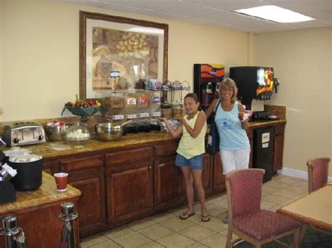 Comfort Inn Continental Breakfast by 301 Moved Permanently