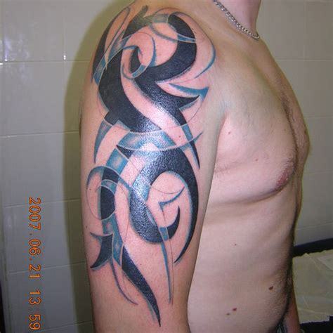 tribal tattoos with color shading two color arm tattoos para invejar e querer igual