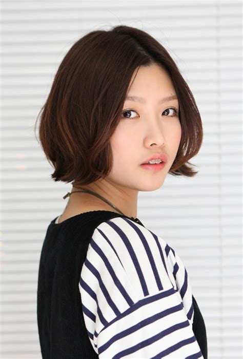 bob haircut korean style korean hairstyle 2013 pretty center parted bob haircut