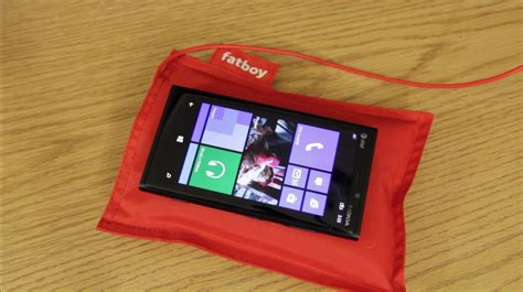 nokia 920 charger fatboy nokia wireless charging pillow lumia 920 unboxing