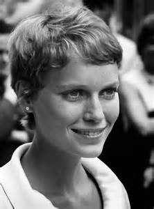 farrow haircut 30 beautiful portraits of mia farrow with pixie haircut in