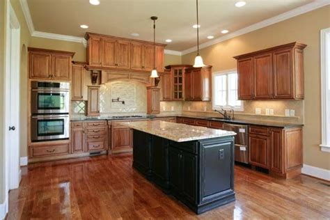 best cabinet color for small kitchen best kitchen paint colors with maple cabinets photo 21