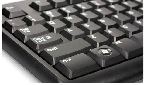 Keyboard Komputer Logitech K120 logitech k120 keyboard 920 002582 centre best pc hardware prices
