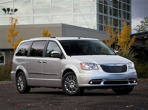 chrysler minivan 2014 chrysler town and country price photos reviews