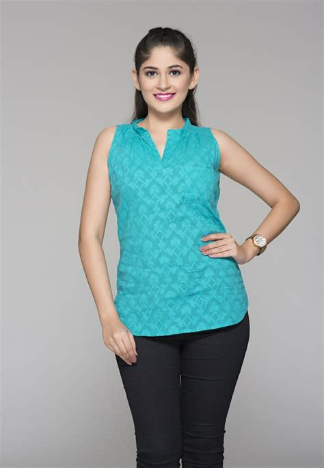 Naila Jaquard Syari Premium Quality your fashion flair as you wear this top made of premium quality jaquard this top is