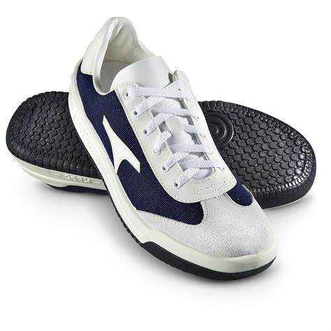 sport shoes s used sport shoes navy white