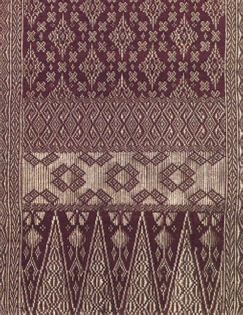 kain adat   padang